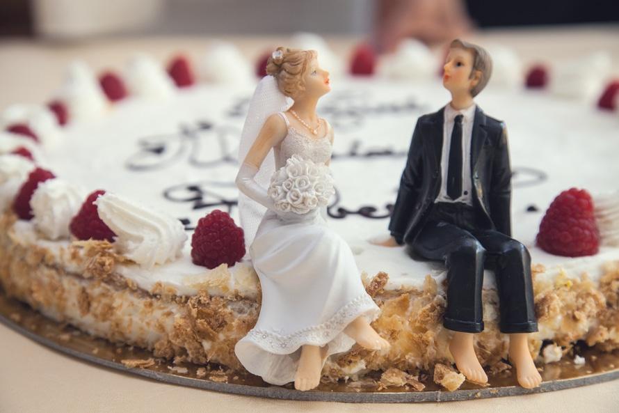 הטיפים הטובים ביותר לחסכון בכסף החתונה שלכם